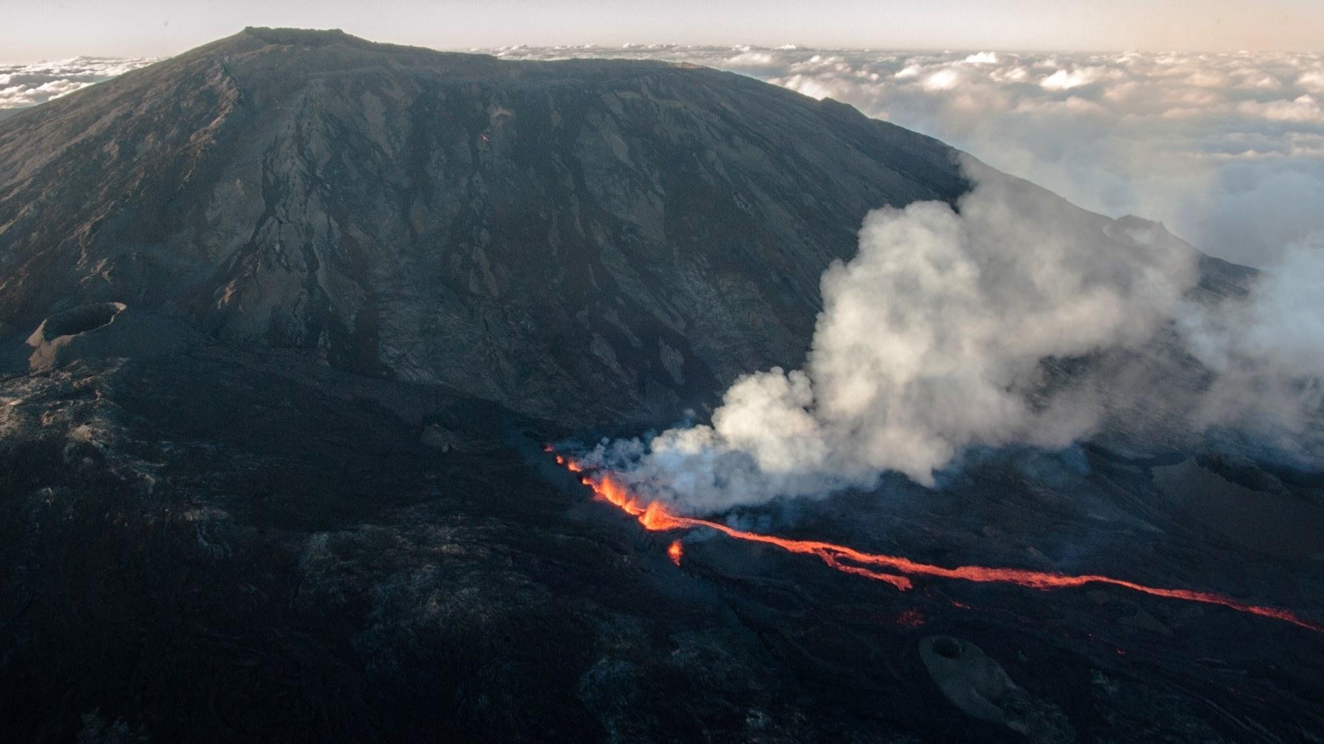 science cm2 volcan