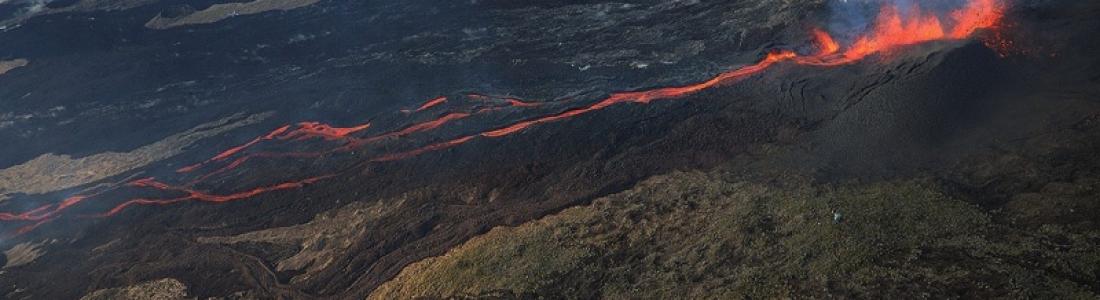 05 Avril 2020 . FR . La Réunion : Piton de la Fournaise , Hawaii : Kilauea , Islande : Péninsule de Reykjanes , Costa Rica : Turrialba / Poas / Rincon de la Vieja .