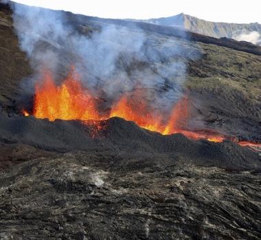 April 03, 2020. EN . Indonesia : Mérapi, La Reunion : Piton de la Fournaise , United States : Yellowstone , Iceland : Reykjanes Peninsula .