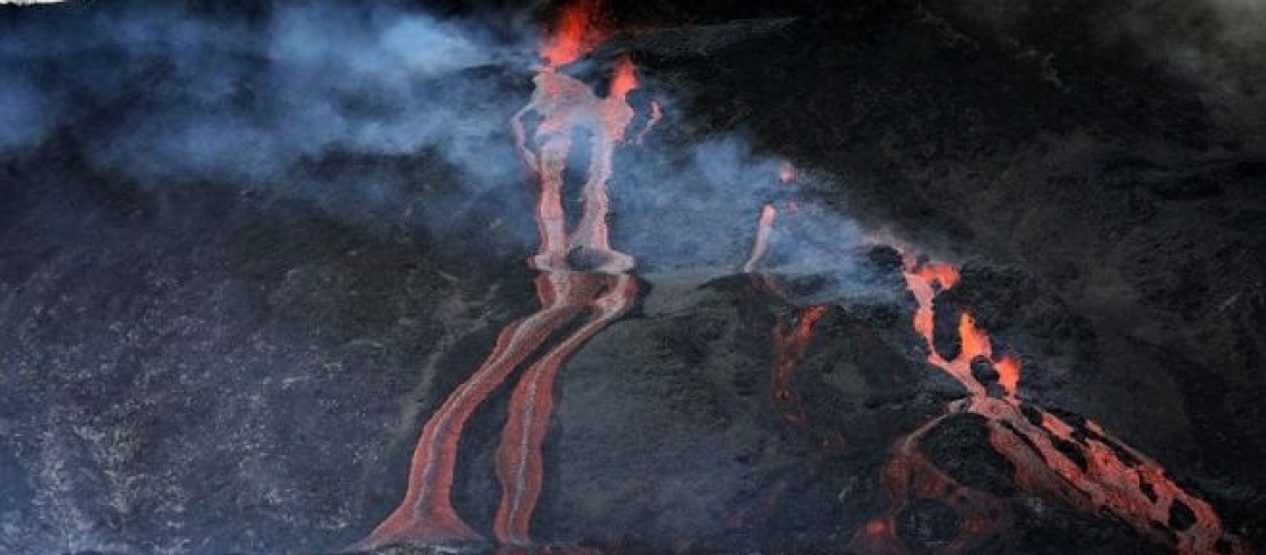 March 03 , 2019.  EN.  La Réunion : Piton de la Fournaise , Indonesia : Dukono , Chile : Copahue / Nevados de Chillan , Guatemala : Pacaya .