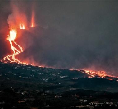 October 03 , 2021. EN. Spain / La Palma : Cumbre Vieja , United States : Yellowstone , Hawaii : Kilauea , Iceland : Reykjanes Peninsula , Mexico : Popocatepetl.