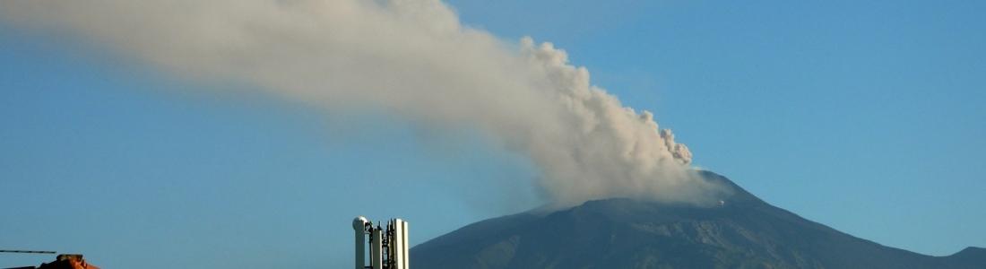 22 Mai 2020. FR . Italie / Sicile : Etna , Hawaii : Mauna Loa , Guatemala : Fuego , Costa Rica : Rincon de la Vieja .