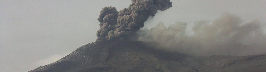 27/07/2015. Français . Nevado Del Ruiz , Io, Popocatepetl .