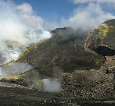 August 12, 2020. EN . Italy / Sicily : Etna , Italy : Stromboli , Colombia : Nevado del Ruiz , Mexico : Popocatepetl .