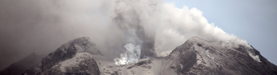27 Aout 2020 . FR . Italie / Sicile : Etna , Indonésie : Sinabung , Hawaii : Mauna Loa , Japon : Sakurajima , Equateur : Reventador .