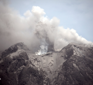 August 15, 2020. EN . Italy / Sicily : Etna , Indonesia : Sinabung , Mexico : Popocatepetl , Alaska : Cleveland .