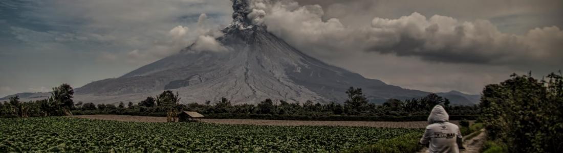 21 Aout 2020. FR . Indonésie : Sinabung , Italie / Sicile : Etna , Italie : Stromboli , Pérou : Sabancaya , Alaska : Veniaminof .