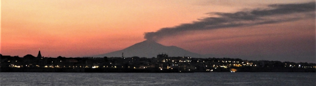 August 22, 2020. EN. Italy / Sicily : Etna , Philippines : Taal , Chile : Nevados of Chillan , Guatemala : Santiaguito , Hawaii : Mauna Loa , Japan : Nishinoshima .