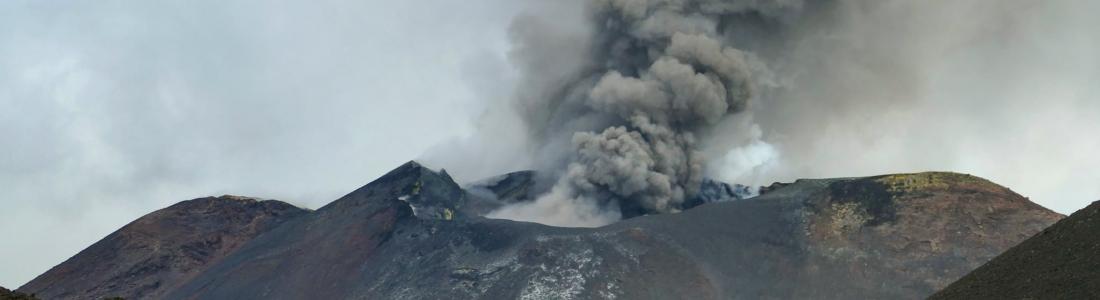September 09, 2020. EN . Italy / Sicily : Etna , Alaska : Makushin , Italy : Stromboli , Colombia : Nevado del Ruiz , Iceland : Reykjanes Peninsula .