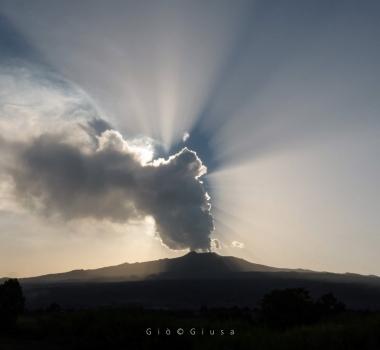 September 27, 2020. EN . Italy / Sicily : Etna , Philippines : Bulusan , Indonesia : Merapi , Guatemala : Fuego .