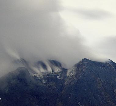October 07 , 2020. EN . La Réunion : Piton de la Fournaise , Peru : Ubinas , Colombia : Chiles / Cerro Negro , Indonesia : Sinabung .