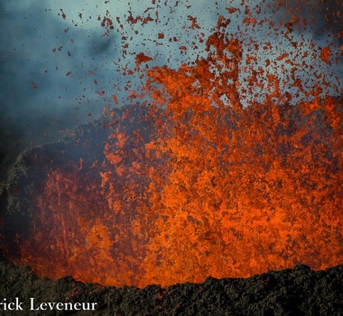 October 06 , 2015.  English.  Sheveluch, Piton de la Fournaise, Tungurahua .