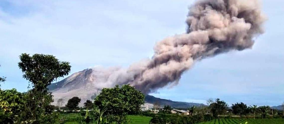 October 30, 2020. EN. Indonesia : Sinabung , Hawaii : Mauna Loa , Chile : Nevados of Chillan , Ecuador : Sangay .