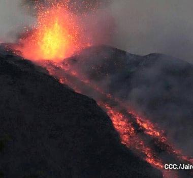 03/12/2015. FR. Etna, Momotombo, Sabancaya .