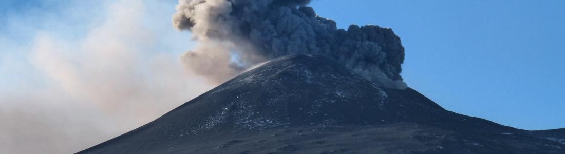10/12/2015. FR. Etna , Nevado Del Ruiz , Bromo .