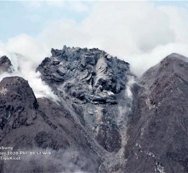 22 Novembre 2020 . FR . Italie : Stromboli , Indonésie : Sinabung , Chili : Villarica , Mexique : Popocatepetl .