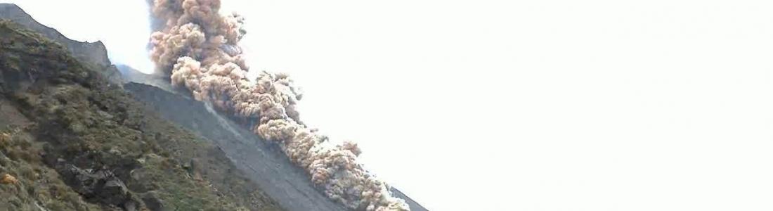 November 17, 2020. EN . Italy : Stromboli , Guatemala : Santiaguito , New Zealand : White Island , Peru : Sabancaya .