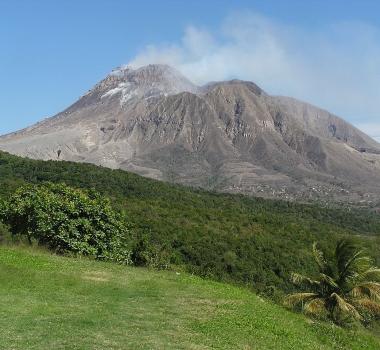 November 13 , 2018.  EN.   Chile : Osorno , Peru : Sabancaya , Montserrat : Soufrière Hills , Indonesia : Anak Krakatau .