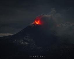 December 02, 2020. EN. Italy / Sicily : Etna , Italy : Stromboli , La Réunion : Piton de la Fournaise , Indonesia : Sinabung .
