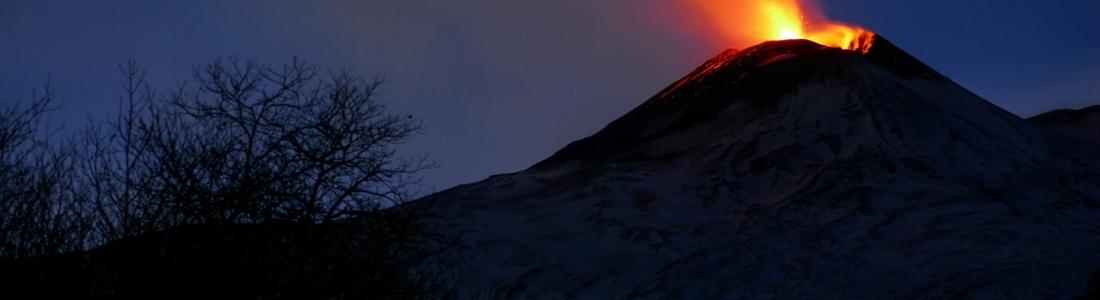 December 15, 2020. EN . Italy / Sicily : Etna , Peru : Sabancaya , Indonesia : Lewotolok , Russia / Kurile Islands : Ebeko .