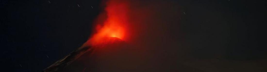 05 Janvier 2021 . FR . Italie / Sicile : Etna , Saint Vincent et les Grenadines : Soufrière Saint Vincent , Hawaii : Kilauea , Pérou : Sabancaya .