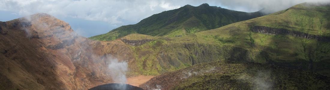 14 Janvier 2021 . FR . Saint Vincent : Soufrière Saint Vincent , Japon : Sakurajima , Guatemala : Pacaya , Langila : Papouasie Nouvelle Guinée , Japon : Suwanosejima .