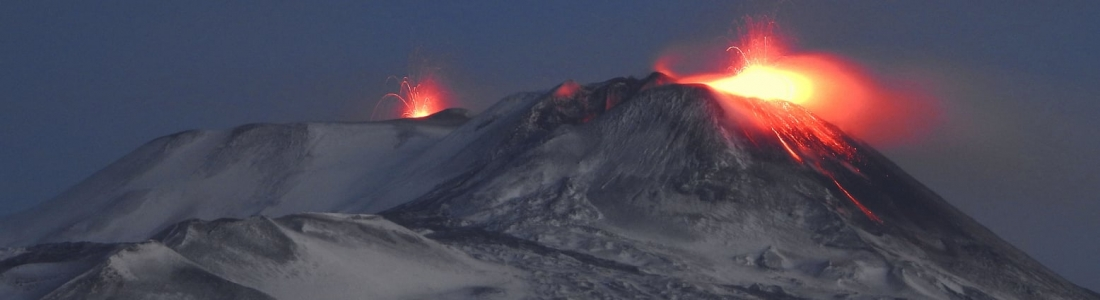 13 Janvier 2021 . FR . Italie / Sicile : Etna , Italie : Stromboli , Colombie : Nevado del Ruiz , Equateur : Sangay , Hawaii : Kilauea .