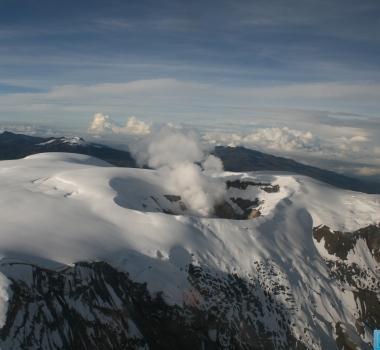 10/09/2015. Français . Piton de la Fournaise, Nevado Del Ruiz, Cleveland .