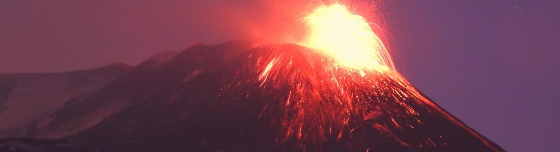16 Février 2021 . FR . Italie / Sicile : Etna , Philippines : Taal , Indonésie : Merapi , Pérou : Sabancaya , Guatemala : Fuego .