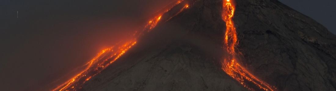 June 25 , 2016.  EN.  Fuego , Reventador , Kilauea .