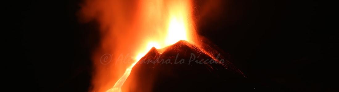 21 Février 2021. FR . Italie / Sicile : Etna , Kamchatka : Klyuchevskoy , Philippines : Taal , Indonesie : Sinabung , Guatemala : Pacaya .