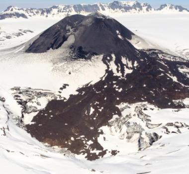 August 17, 2019. EN. La Reunion : Piton de la Fournaise , Alaska : Veniaminof , Indonesia : Anak Krakatau , Mexico : Popocatepetl , Philippines : Mayon .