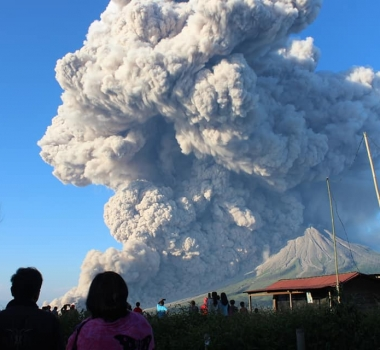 March 02 , 2021. EN . Indonesia : Sinabung , Guatemala : Pacaya , United States : Yellowstone , Peru : Sabancaya .