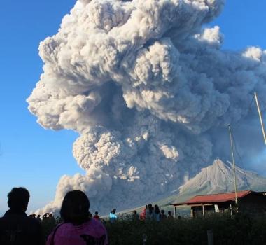 March 02 , 2021. EN . Indonesia : Sinabung , Guatemala : Pacaya , United States : Yellowstone , Peru : Sabancaya .
