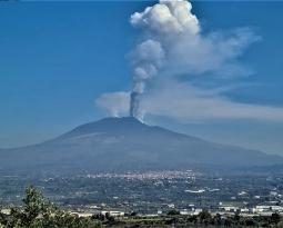 March 04 , 2021. EN . Italy : Stromboli , Iceland : Reykjanes Peninsula , Italy / Sicily : Etna , Guatemala : Pacaya , Philippines : Pinatubo .