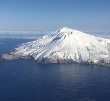 March 29, 2020. EN. Alaska : Great Sitkin , Philippines : Taal / Kanlaon / Mayon , Indonesia : Ibu , Italy : Stromboli , Mexico : Popocatepetl .