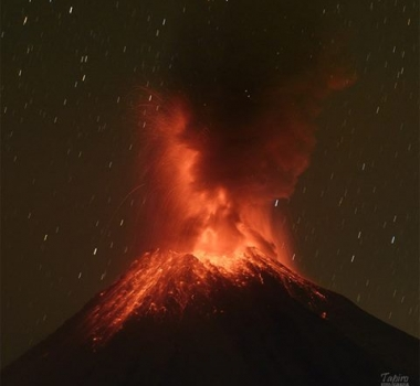 January 05 , 2017. EN.  Colima , Turrialba , Bogoslof , Fuego , Reventador .