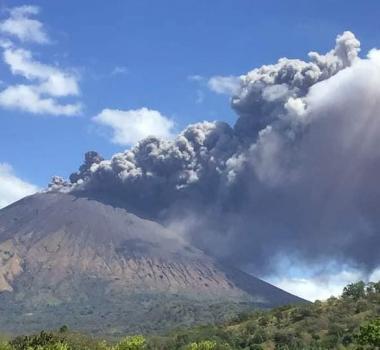 March 11, 2021. EN . Nicaragua : San Cristobal , Italy : Stromboli , Kamchatka : Klyuchevskoy , Philippines : Taal , Indonesia : Sinabung .