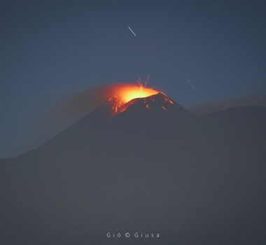 March 31, 2021. EN . Italy / Sicily : Etna , La Réunion : Piton de la Fournaise , Indonesia : Sinabung , Japan : Otake / Suwanosejima , Guatemala : Pacaya .