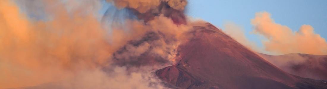 April 02, 2021. EN. Italy / Sicily : Etna , United States : Yellowstone , Hawaii : Kilauea , Indonesia : Sinabung .