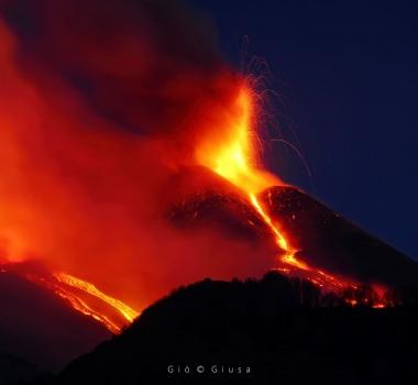 April 01, 2021. EN. Italy / Sicily : Etna , Japan : Sakurajima , La Martinique : Montagne Pelée , Guatemala : Pacaya , Japan : Asamayama .
