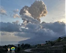 April 17, 2021. EN . Saint Vincent : Soufrière Saint Vincent , La Réunion : Piton de la Fournaise , Alaska : Semisopochnoi , Guatemala : Pacaya .