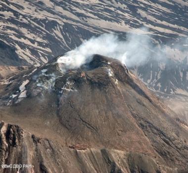September 17, 2020. EN . Kamchatka : Bezymianny , Japan : Satsuma Iwo-jima , Ecuador : Sangay , Philippines : Bulusan .