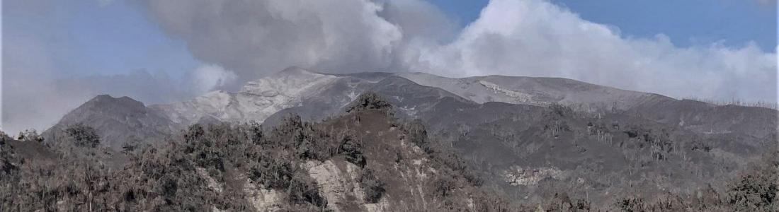 May 03, 2021. EN . La Réunion Island : Piton de la Fournaise , United States : Yellowstone , Saint Vincent : Soufrière Saint Vincent , Iceland : Geldingadalur , Ecuador : Reventador .