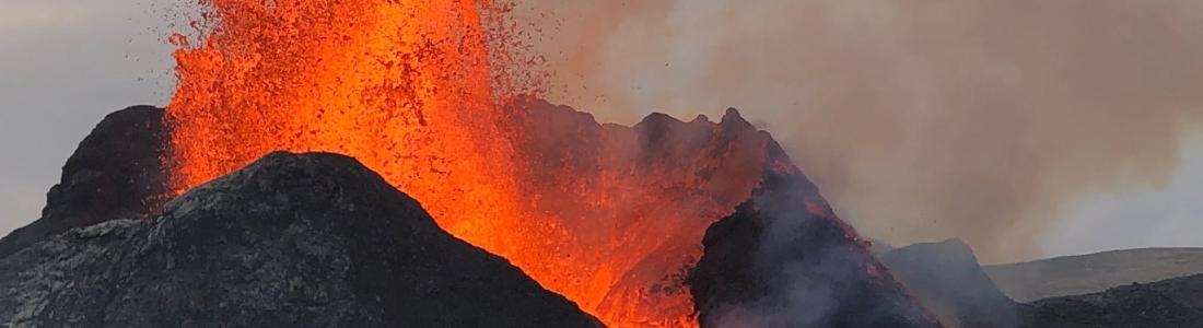 15 Juin 2021. FR . Islande : Geldingadalur / Fagradalsfjall , Italie / Sicile : Etna , Philippines : Taal , Pérou : Sabancaya , Chili : Nevados de Chillan .