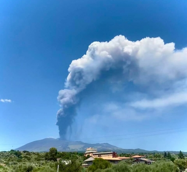 June 17, 2021. EN . Italy : Stromboli , Italy / Sicily : Etna , Costa Rica : Turrialba , Japan : Suwanosejima , Alaska : Semisopochnoi , Guatemala : Fuego .