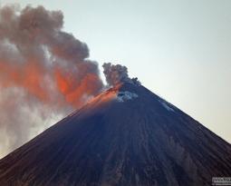November 22, 2019. EN . Hawaii : Mauna Loa , Kamchatka : Klyuchevskoy , Colombia : Chiles / Cerro Negro , Philippines : Taal , Japan : Sakurajima .