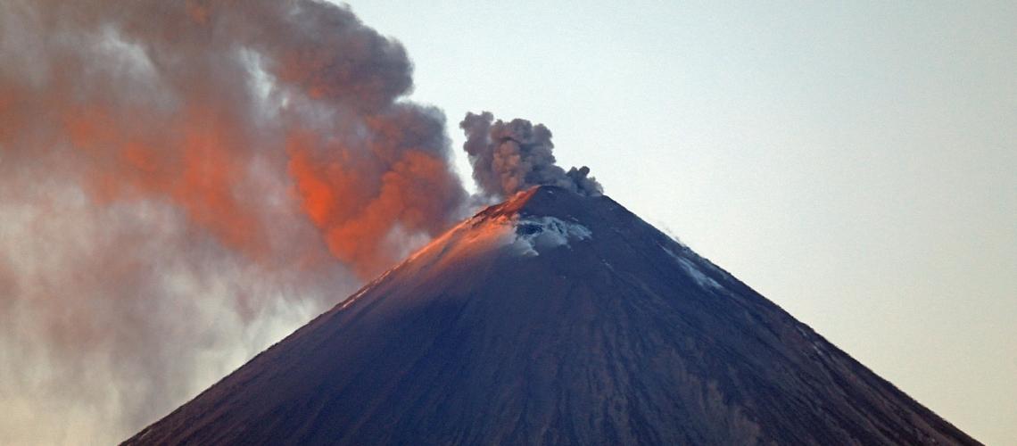 April 14, 2020. EN. Peru : Sabancaya , Indonesia : Kerinci , Kamchatka : Klyuchevskoy , Ecuador : Sangay , Mexico : Popocatepetl .