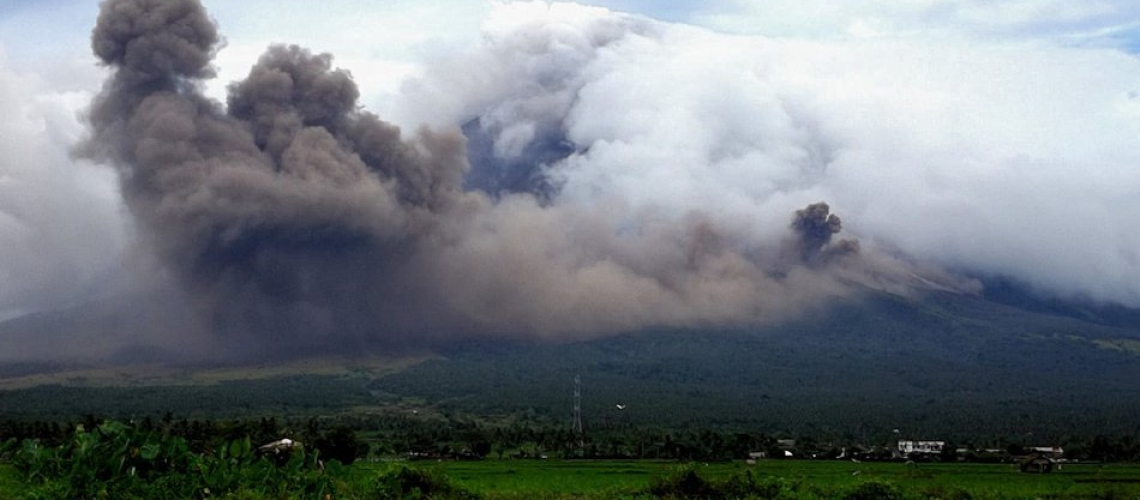 February 28 , 2018. EN.  Mayon , Piton de la Fournaise , Cerro Machin , Sierra Negra , Agung .