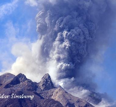 July 28 , 2017. EN.  Piton de la Fournaise , Nishinoshima , Sheveluch , Sinabung .